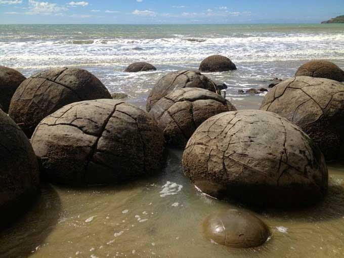 rocas-esfericas-moeraki-nueva-zelanda-playa-4